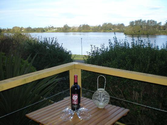 Taree Motor Inn: River View Rooms