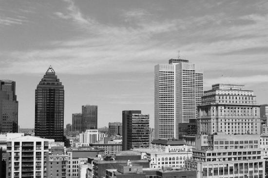 Vista sobre a cidade de Montreal, Canadá, a partir do 'Magnétic Terrasse' no hotel de La Montagn
