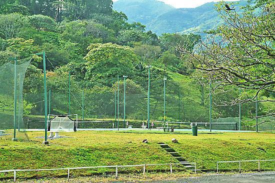 Costa Rica Apartment Suite Hotel: tennis court