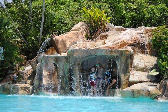 Bacab Eco Park: Waterfall with water slide