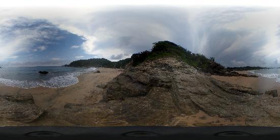 Cabanas Balamjuyuc: The beach