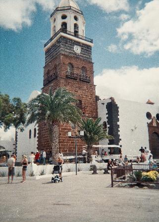 Teguise, Spain: church in market