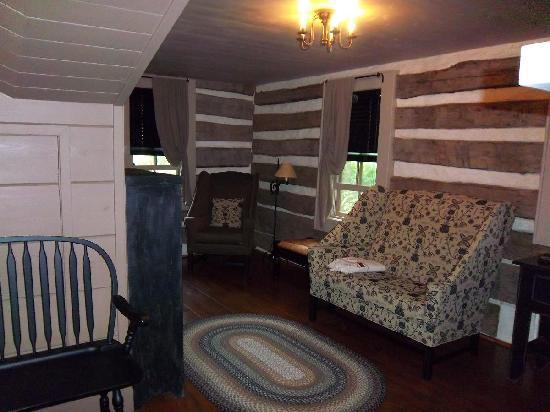 Walnut Ridge: Living Room