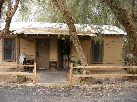 The Ranch at Death Valley: Outside our cabin