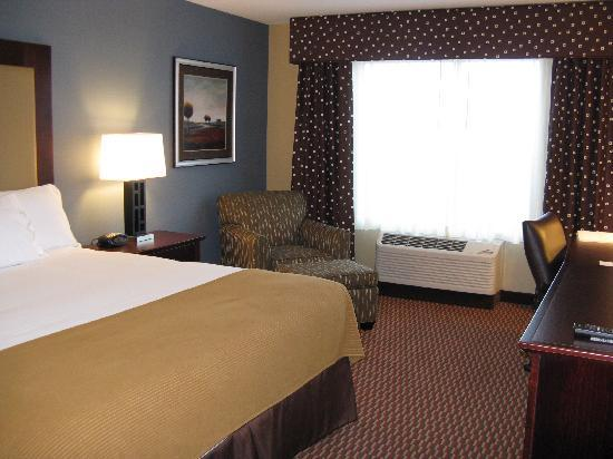 Holiday Inn Express & Suites Helena: Helena Holiday Inn Express King Room 3