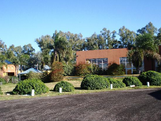 Hotel Campo Alegre: jardín