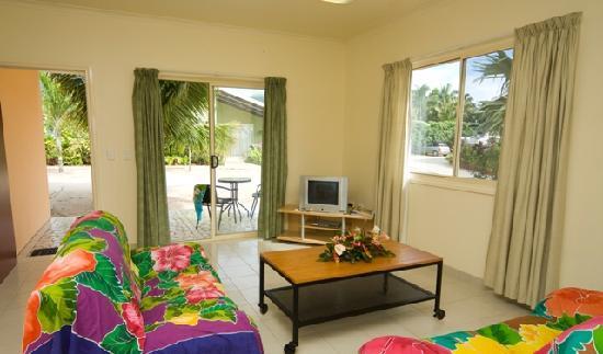 Arorangi, Cook Islands: 3 Bedroom Villa Lounge