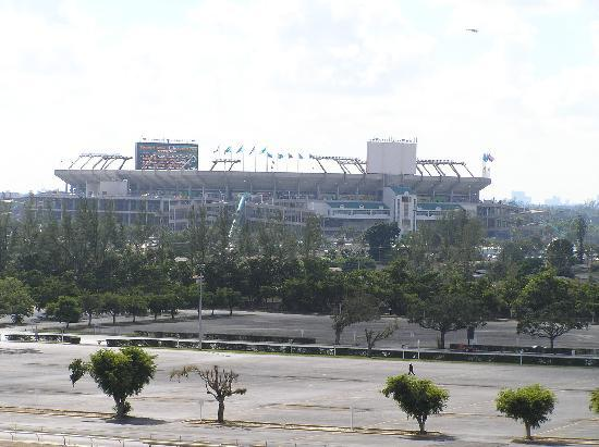 Stadium Hotel: Sun Life Stadium taken from room balcony