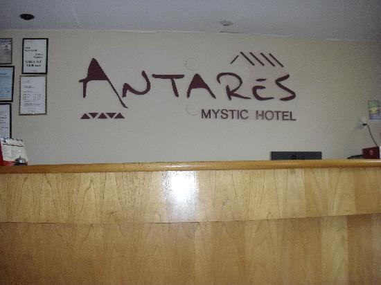 Antares Mystic Hotel: Lobby sign