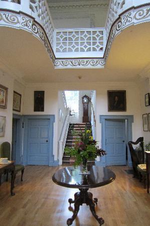 Roundwood House: Roundwood entryway