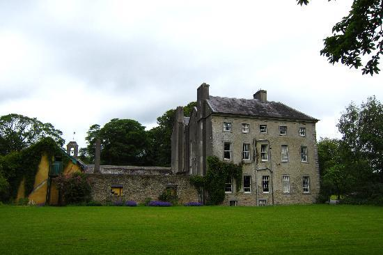 Roundwood House: Side view of Roundwood