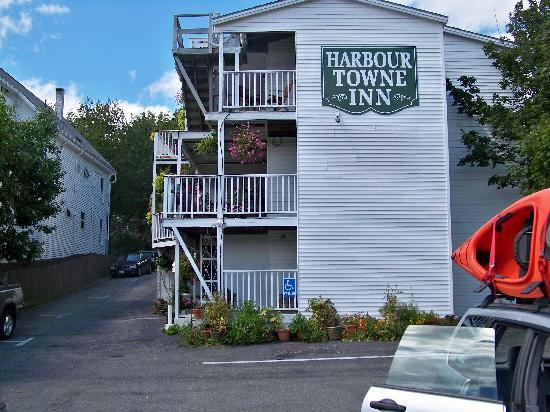 Harbour Towne Inn on the Waterfront: Harbor-side of Inn overlooking the harbor