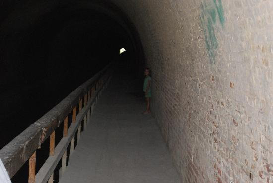C&O Canal - Paw Paw Tunnel : Inside the Tunnel