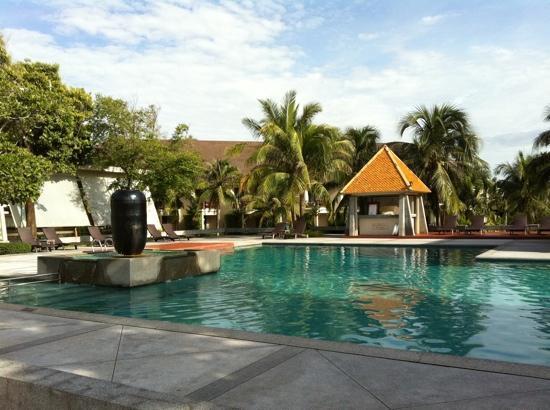 Novotel Chumphon Beach Resort&Golf: 2 pools