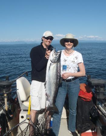 April Point Resort & Spa: Mike, our guide and I with my 23 pound salmon
