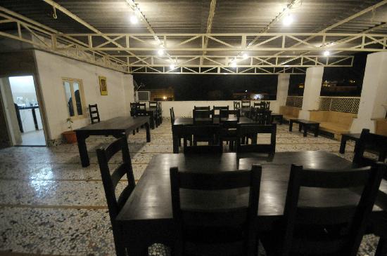 Hotel Bansuri : Roof Top Restaurant