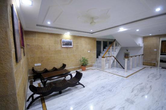 Hotel Bansuri Deluxe : lobby of 2 floor