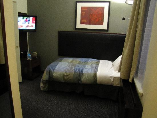 Club Quarters Hotel, Midtown: Room