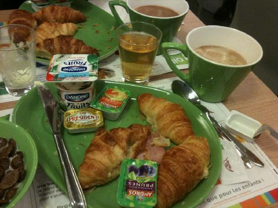 Ibis Styles Paris Cadet Lafayette: Breakfast
