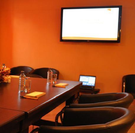 Batians Peak Serviced Apartments: The Kiri Boardroom