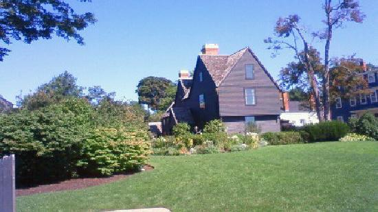 The House of the Seven Gables: Beautiful day