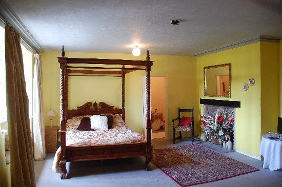 Skirrid Mountain Inn: Our room photo #2 - room 2.