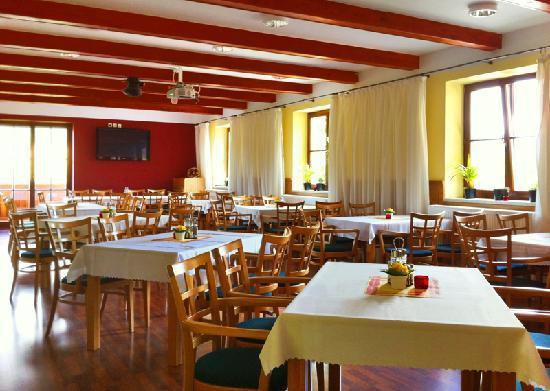 Alfa Resort: Restaurant