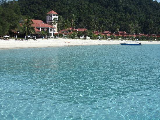 Sari Pacifica Hotel, Resort & Spa - Redang Island: view of hotel from boat