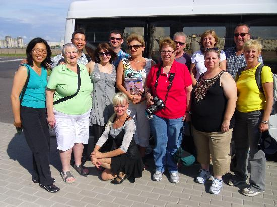UlkoTours -Day Tours: Bonnie Nocholson group after the tourn