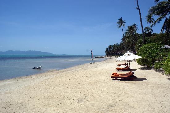 Belmond Napasai: Long beautiful beach where i can swim