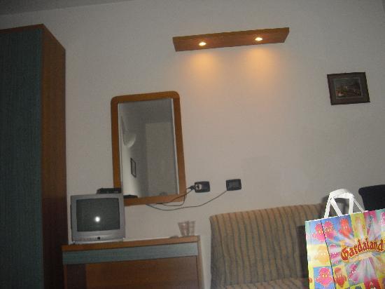 Hotel La Nuvola: stanza