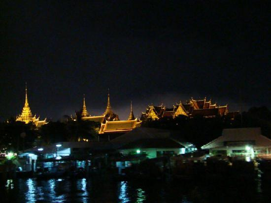 Sailing in Thailand Day Trip: grand palace