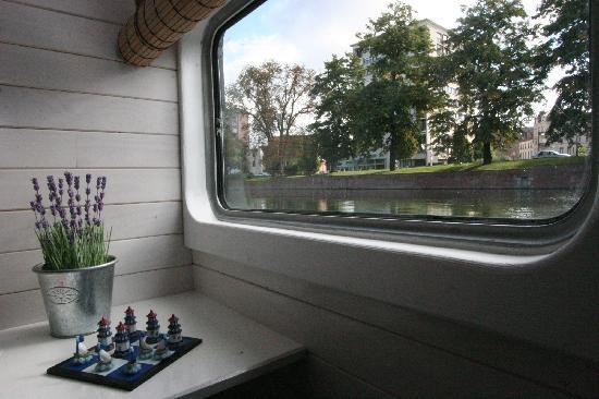 Peniche Lille Flottante-B&B Boat : La vue...