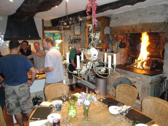 French Dining School : the warmth of the fire matches the warmth of the welcome