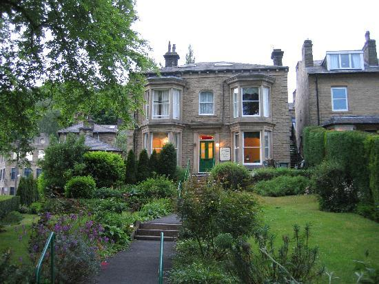 Hebden Bridge, UK: Angeldale in its garden setting.