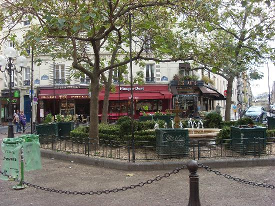 square picture of rue mouffetard market paris tripadvisor. Black Bedroom Furniture Sets. Home Design Ideas