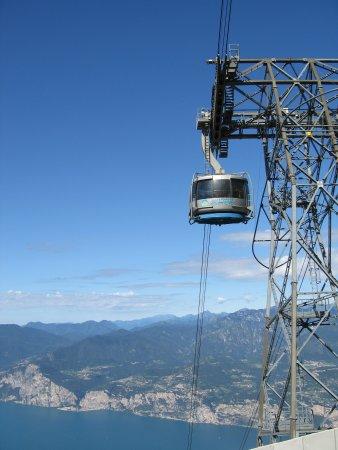 Monte Baldo: Die Bergbahn, Sektion 2