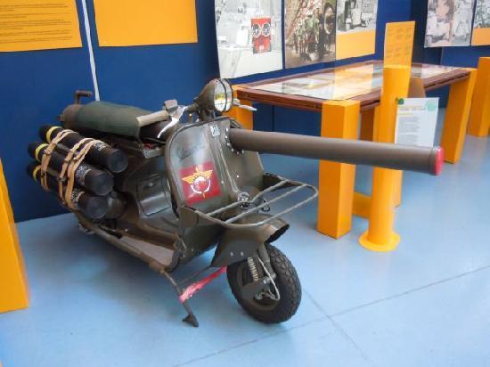 Pontedera, Ιταλία: La Vespa armata per l'esercito