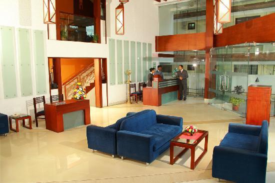 Grand Plaza Munnar : Lobby
