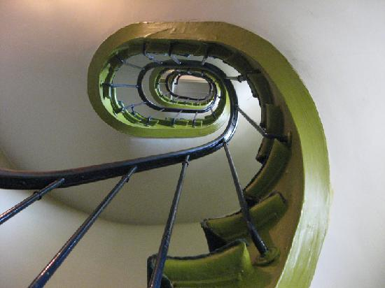 Hotel de Nesle : Nesle's steep spiral stairs