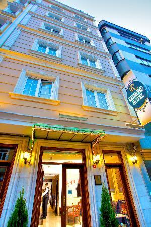 Raymond Blue Hotel: ,