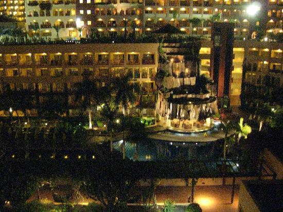 Best Jacaranda: Vista dal corridoio VII piano