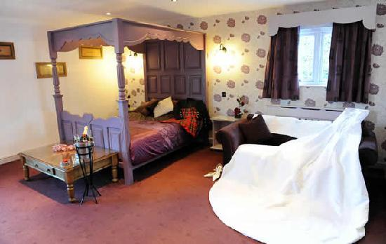 The Mill Forge : Gretna Green Bridal Suite