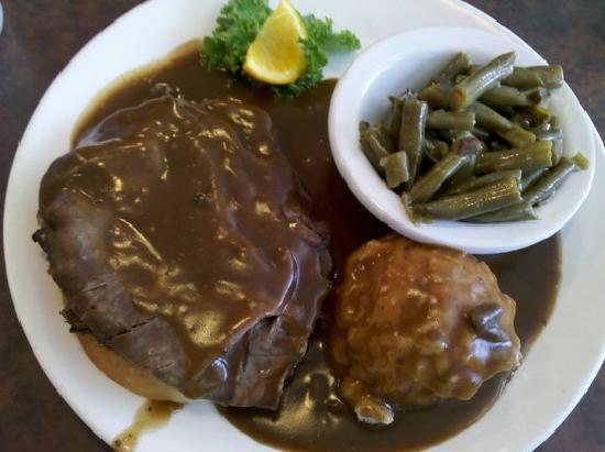 White's Restaurant: My Open Faced Roast Beef Sandwich Meal