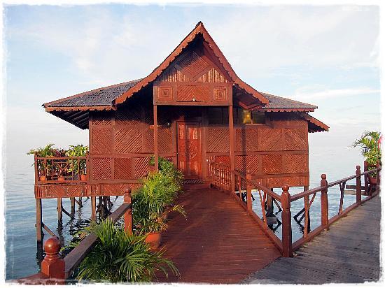 Sipadan Water Village Resort : Deluxe Chalet