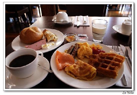 breakfast bild von hotel santo k ln tripadvisor. Black Bedroom Furniture Sets. Home Design Ideas
