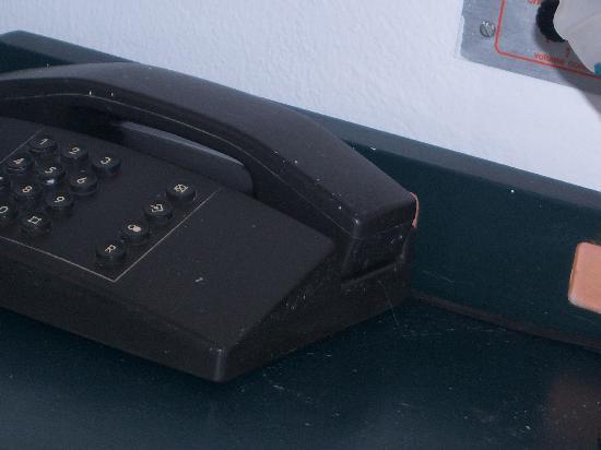 Hotel Antinoos : il telefono con pittura