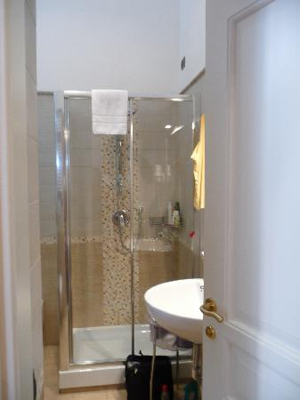 I Tre Moschettieri Luxury Guest House: Beautiful hot n powerful shower