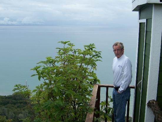 Kenai Peninsula Suites: Overving Cook Inlet