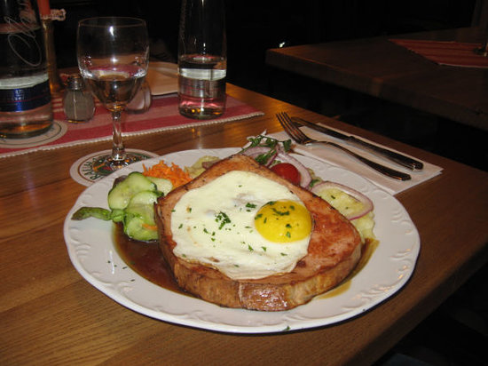 Gasthof Neuwirt: meatloaf with egg